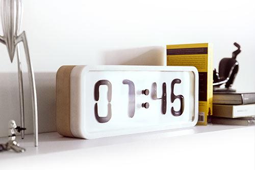 Rhei, die Uhr mit einem flüssigen Zifferblatt
