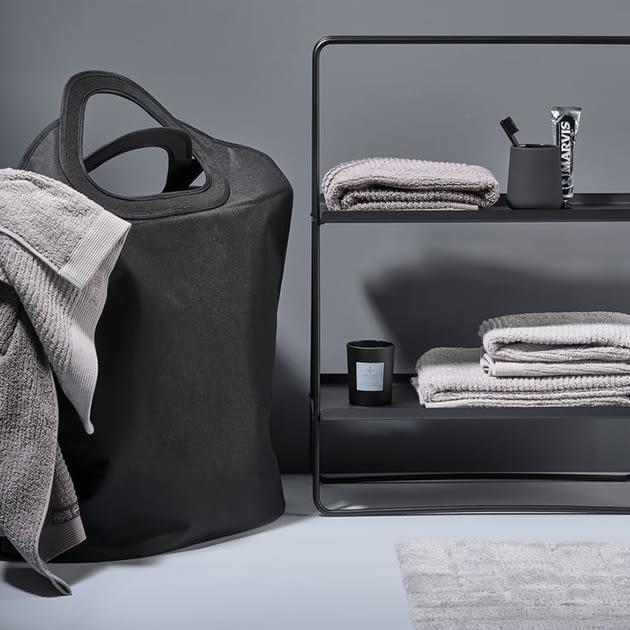 Pull Me Up von Zone Denmark – Wäschekorb und Tragetasche