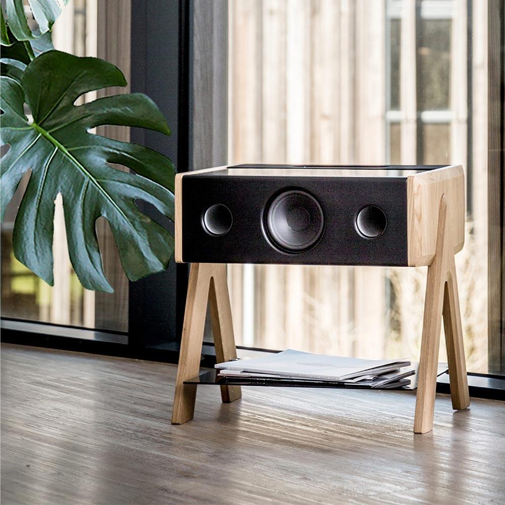 Cube von La Boite concept – Immersiver Lautsprecher und stilvoller Kaffeetisch